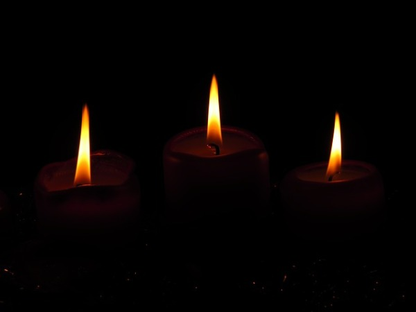 flame-candlelight-burn-candles-christmas-advent